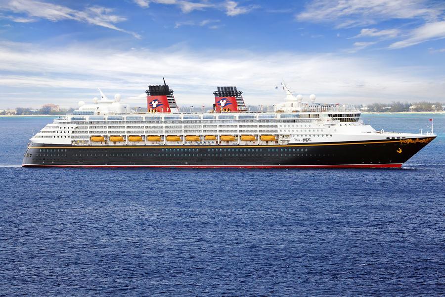 disney cruise ship in cayman islands